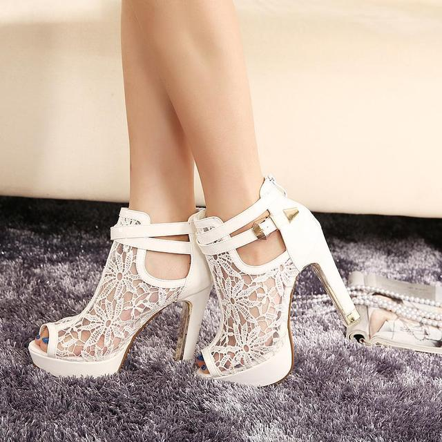 New Fashion Women High Heels White Lace Flowers Ladies Summer Shoes Buckle Strap Peep Toe Women Shoes Cut-out Zip Women Heels 68