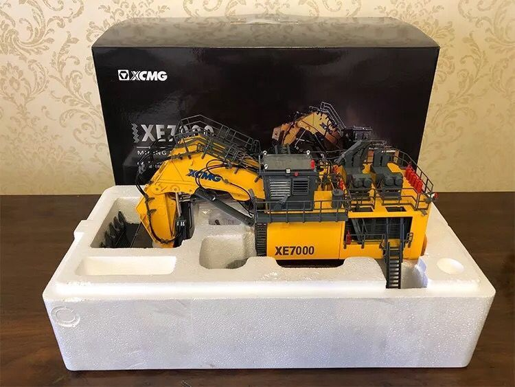 Rare!! XCMG XE7000 Super Large Hydraulic Mining Excavator 1/50 DieCast Model 1 35 xugong xcmg xe215c excavator alloy truck diecast model construction vehicles toy