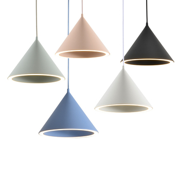 Lámpara de mesa de aluminio de personalidad creativa moderna nórdica Macarons Color Halo LED candelabro iluminación de decoración del hogar