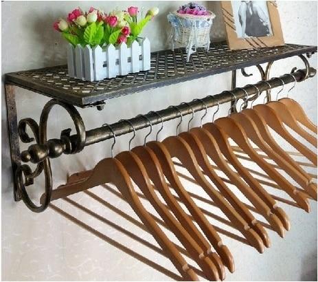 Hierro colgante de pared de la ropa ropa estante colgador for Colgadores para ropa