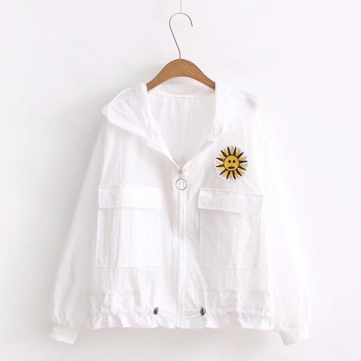 Новые вышитые подсолнухи белый небольшой свежий кардиган с капюшоном Длинные рукава куртки солнцезащитный крем студенток Сладкая пальто ...