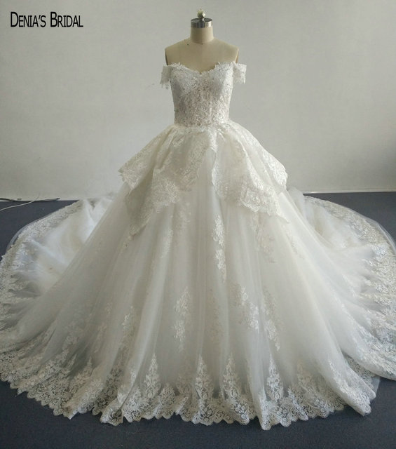 2017 Ball Gown Beaded Lace Wedding Dresses with Sweetheart Neckline Sleeveless Chapel Train Floor Length Colorful Bridal Gowns
