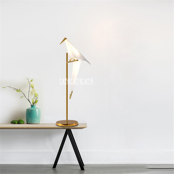 Creative Nordic Metal Art Table Lamp Home LED Table Lamp Simple Modern Living Room Bedroom Study Table Lamp 110V-220V 6W 8-15m2
