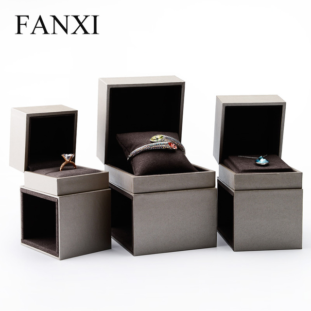 Oirlv Free Shipping Bangle Bracelet Pillow Paper Jewelry Boxes Custom Necklace Ring Box Holder For Jewelry Display Showcase In Jewelry Packaging