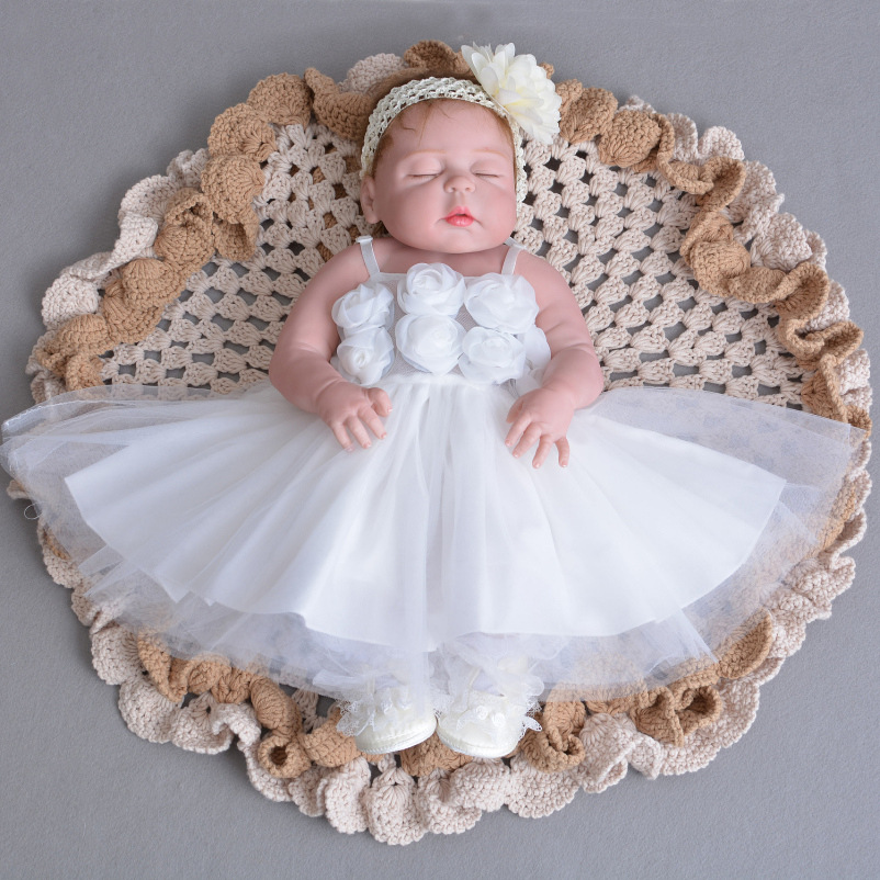 55cm Full body silicone reborn baby doll toys lifelike sleeping reborn princess girl babies brithday gifts bathe toy kids boneca christmas gifts in europe and america early education full body silicone doll reborn babies brinquedo lifelike rb16 11h10