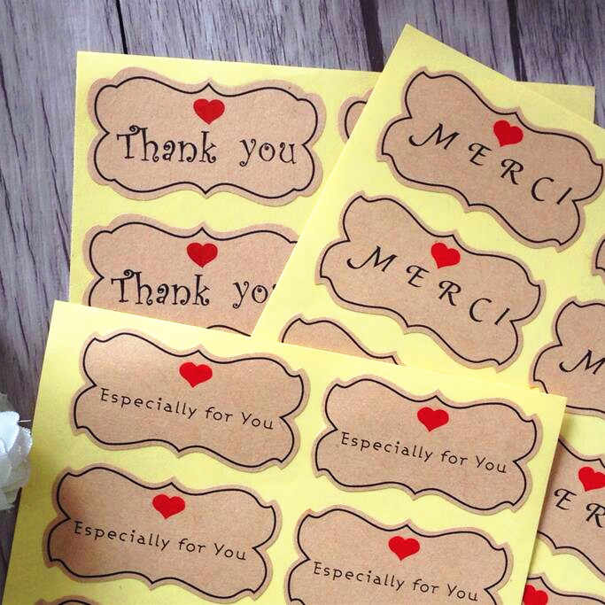 800pcs/lot Thank you MERCI Especially Print Heart Adhesive Kraft Seal Sticker for Baking Gift Label Stickers Students' DIY Tools