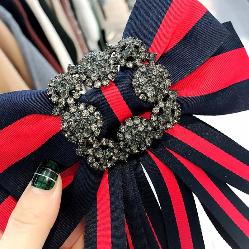 Vintage Fabric Bow Brooches for Women Neck Tie Imported Material Wedding Party Accessories High Quality Clothing Accessories