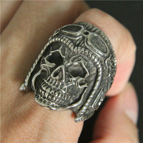 STAINLESS STEEL SKULL BIKER RINGS