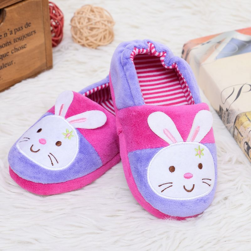 25bc13e2c80 Kids Slippers Winter Warm Children Shoes Girls Toddler Cartoon Bunny Lion  Sole Casual Home Wear Sweet Indoor House Loafers-in Slippers from Mother    Kids on ...