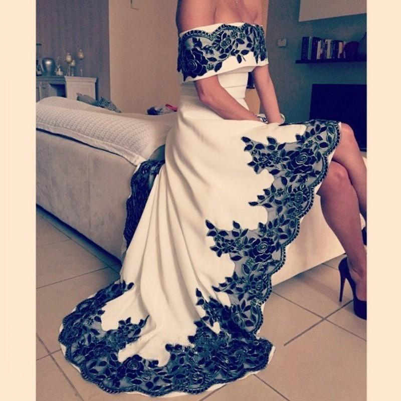 Vintage Boat Neck Prom Gown Black Lace Appliques White Satin High/Low Style Dress For Wedding Party Custom Made