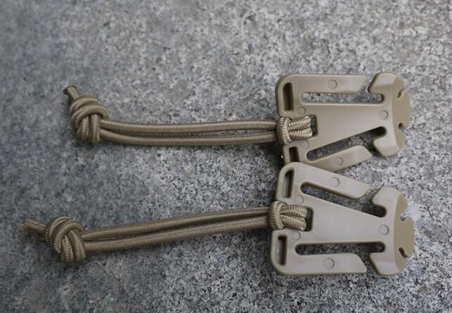 confezione da 5 con gancio di bloccaggio per fettucce Molle Moschettoni tattici multiuso con anello a D Grimloc