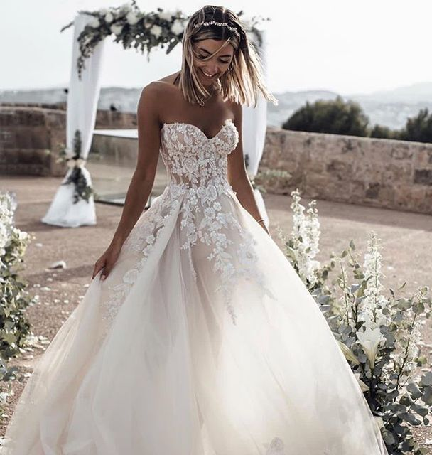 Fantastic New Long Wedding Dress 2019 Sweetheart Neck Off the Shoulder Court Train A-Line Appliques Tulle Bride Dresses Vestidos