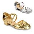 Элегантный благородный девушка Латинский танец кожа золото и серебро на низком каблуке сценической обуви для 3-10yrs девушки женские дети танцуют принцесса обувь