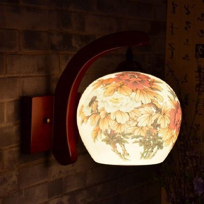 светильник из керамики настенный