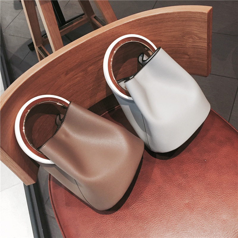 Women Famous Brands Bucket Messenger Bag Designer High Quality Wooden Hand Bag Luxury Crossbody Bags For Women 2018 Shoulder Bag feral cat women small shell bag pvc zipper single shoulder bag luxury quality ladies hand bags girls designer crossbody bag tas