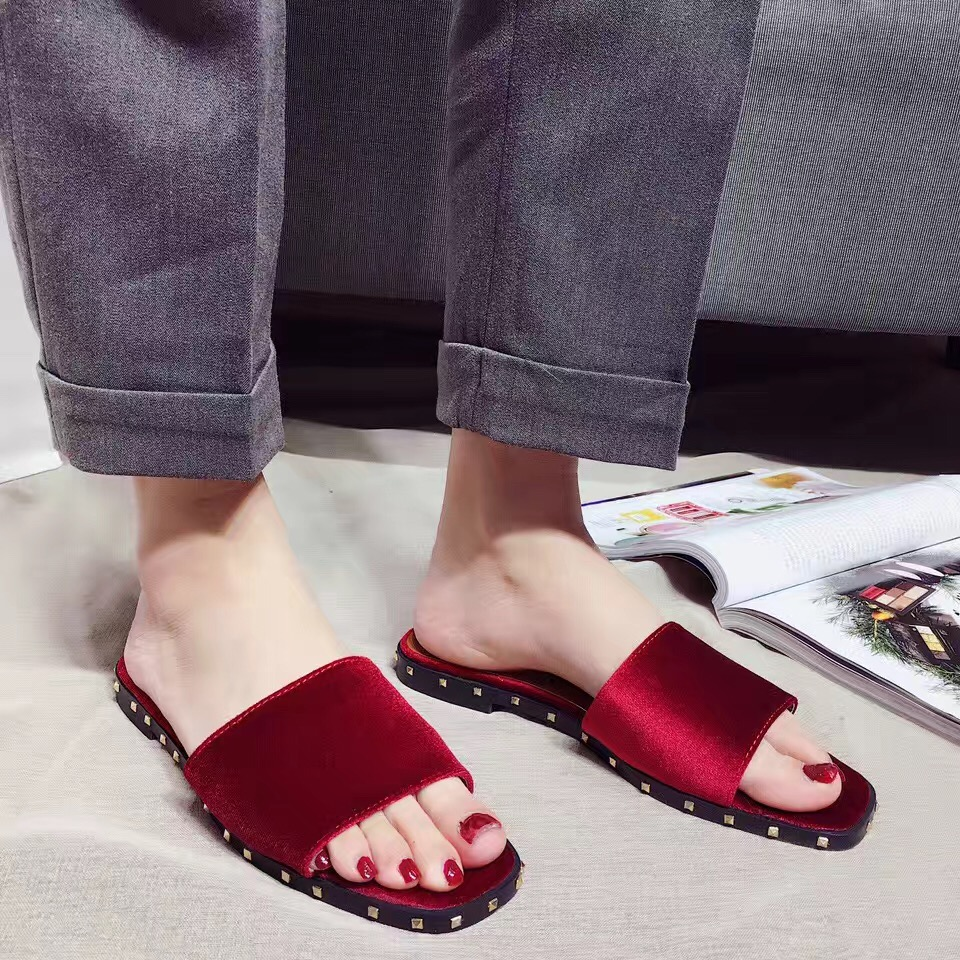 ФОТО 2017 New Arrival Black Red Blue Slipper Velvet Open Toe Summer Shoes Rivets Decoration