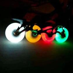 Крутой мигающий светодиод свет шнурки для коньков Раздвижные коньки флэш-ПУ колеса для роликовых коньков 76 мм 90A твердость прочный Одежда