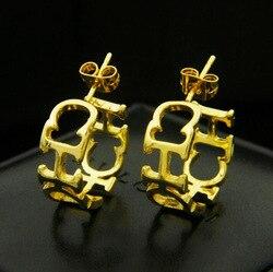 Alta qualidade moda titânio aço oco chc carta brincos studs para mulheres marca de jóias