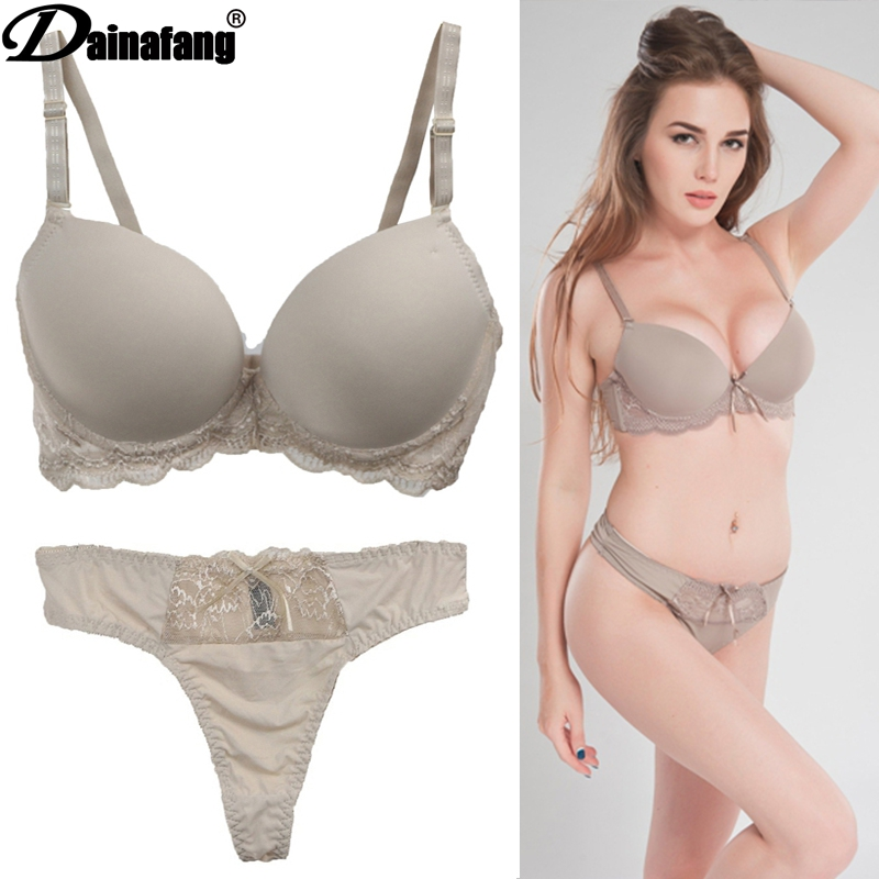 2019 Luxurious Saturated Lace Underwear Sets For Women From The Rear Overhead Hair Without Lining Underwear Female White Black;