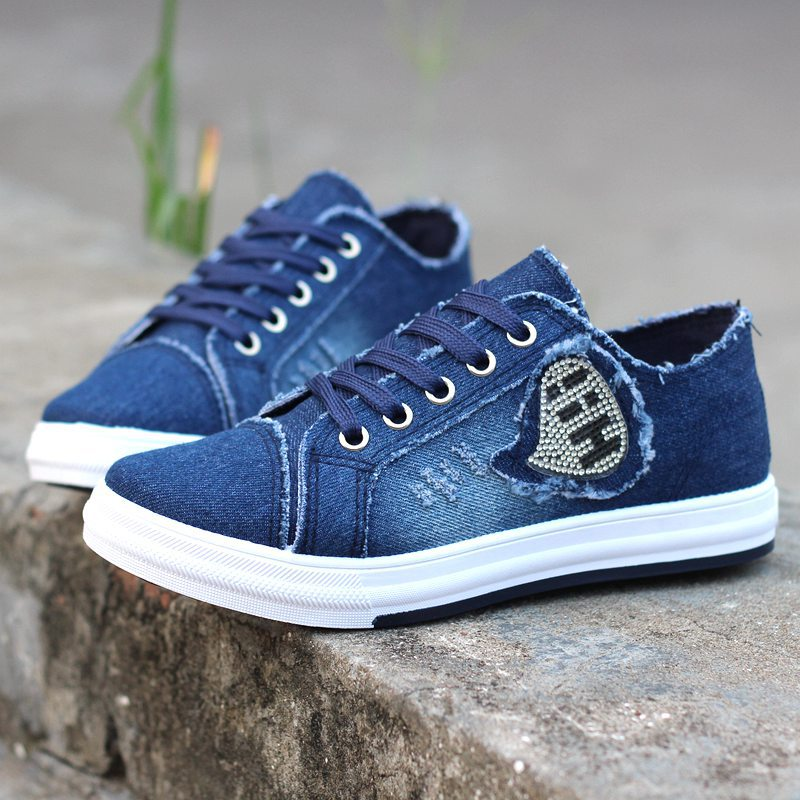 все цены на DreamShining Shoes Woman Denim Breathable Students Canvas Shoes Female Version Of The Pure Color Plate Shoes Size 35-40 онлайн