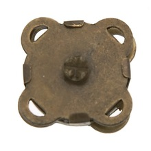 50Pcs Vintage Bronze Tone Magnetic Clasps Plum Blossom Shape DIY Purse Handbag Closure 11x11mm