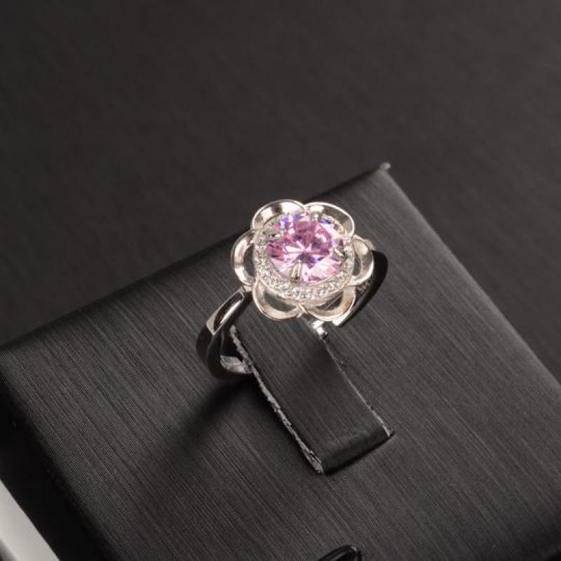 925 Sterling Silver Flower Shaped CZ RIng