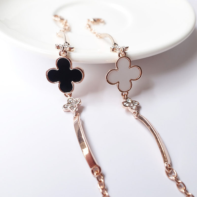 New fashion Rose Gold Color Lucky Clover Bracelets & Bangles 2 Colors Cute/Romantic bracelets for Women Exquisite birthday Gifts