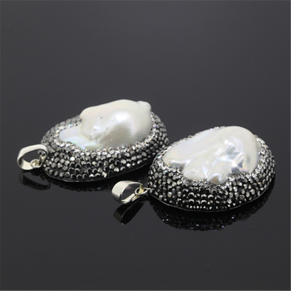 1pcs New Design Fresh Water Pearl Shell Pendant Jewelry Charms The Wet Brush Gemstone Abalone Paved Rhinestones For Necklace As Cute Gift