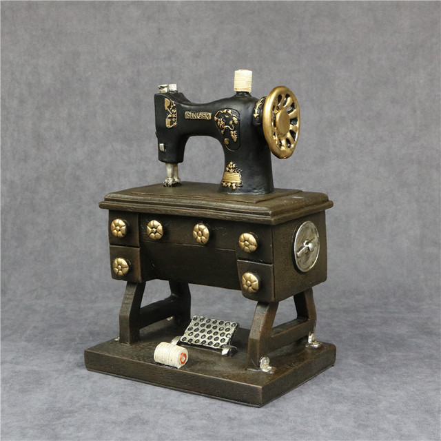 Vintage Sewing Machine Model Resin Reminiscence Decor Handicraft Adornment Accessories for Art Collection and Souvenir Present