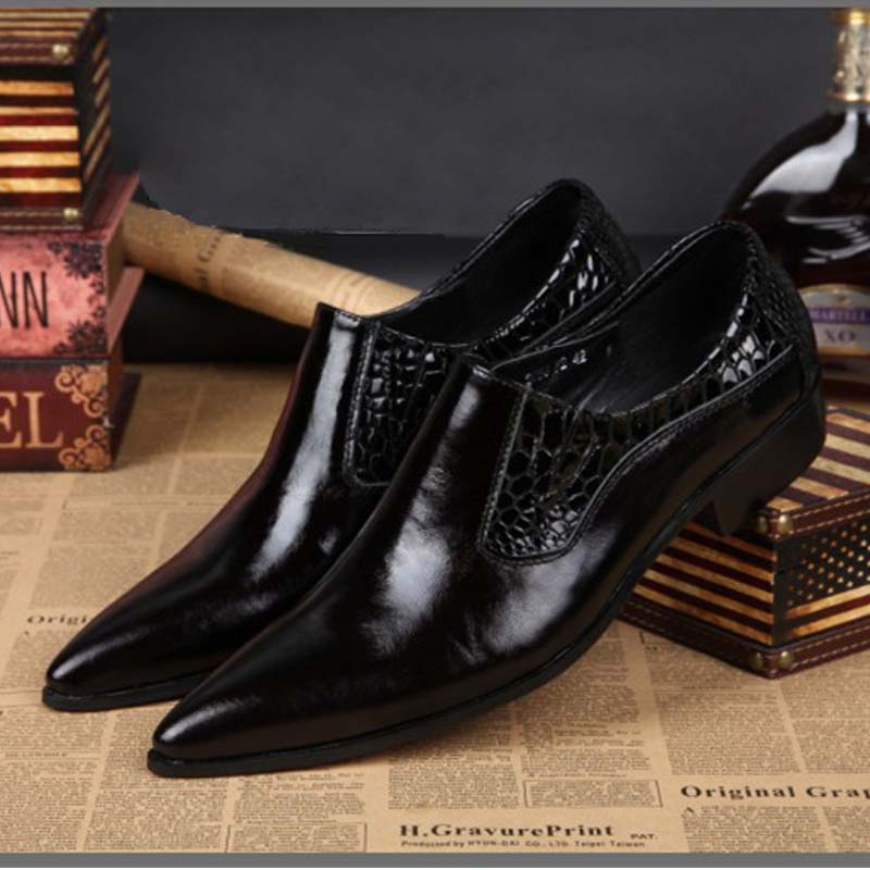 hot Luxury genuine leather mens dress shoes oxfords men pointed toe formal business casual fashion party black wedding man shoes men luxury genuine leather vintage high heels fashion buckle pointed toe retro men party dress shoes punk rock gentleman oxfords