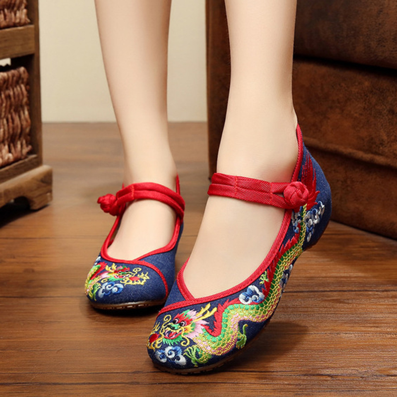 Summer sexy retro Chinese dragon shoes women simple fashion embroidery women's spring casual flats shoes for ladies mary janes weowalk 5 colors chinese dragon embroidery women s old beijing shoes ladies casual cotton driving ballets flats big size 34 41