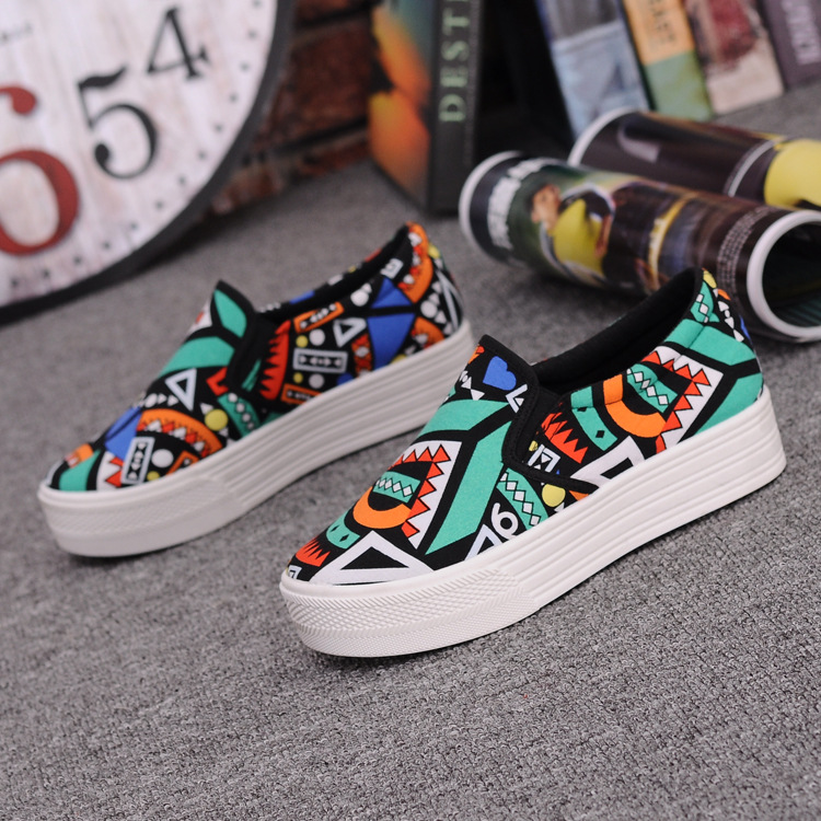Canvas Shoes Women Girl 2016 New Footwear Female Slip On Platform Casual Shoes Flatform Autumn Graffiti Round Toe Loafers Flats (5)