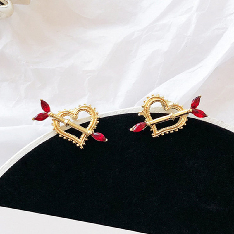 New Fashion Arrow Love Heart Stud Earring Temperament Red Rhinestone Earrings for Women Girls Statement Jewelry Brincos 5A2001