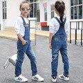 Calças de brim da criança 2017 Primavera meninas Suspensórios calças jeans crianças calças