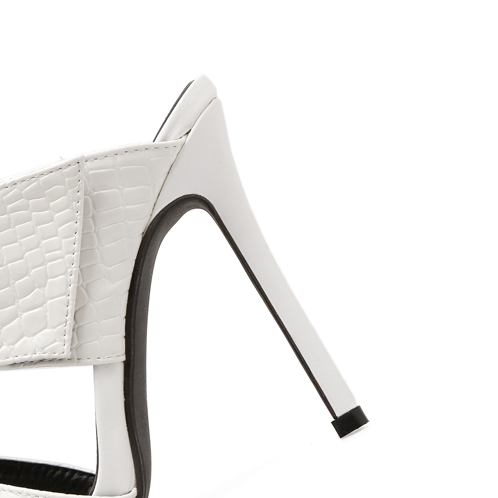 Talon Gaufrage Diapositives Sandales 2018 Faux Femmes Pompes Stilettos Impression Mules Haute Cuir Métal Aiykazysdl En White Boucle Texture Femme black 0FOxqTn