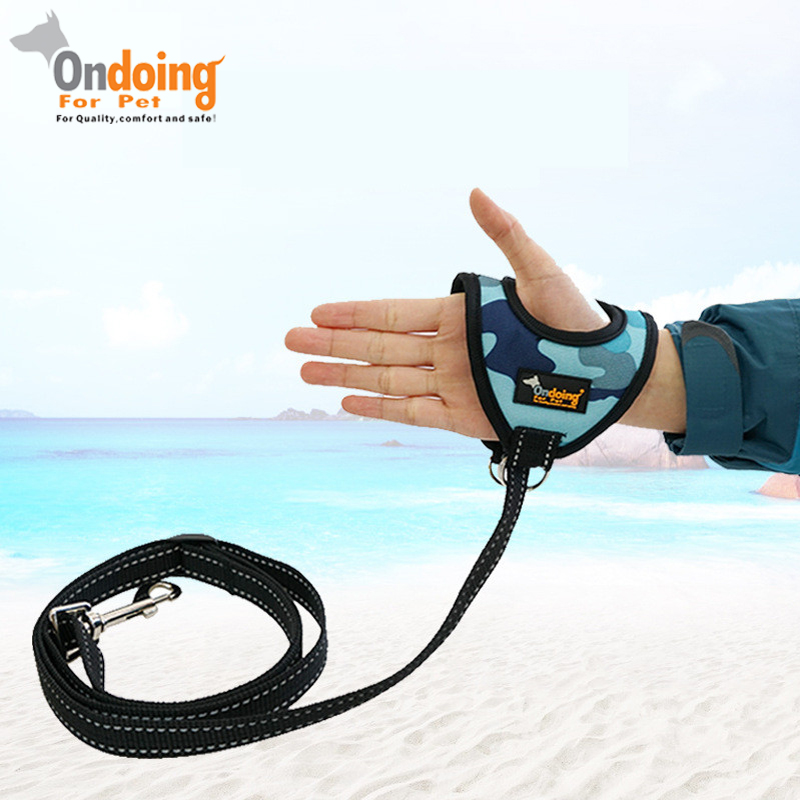 Hand-held Glove Type Pet Dog Leashes Reflective Strip Camouflage Pet Leads Dog Leash Pet Dog Accessories 140cm Length