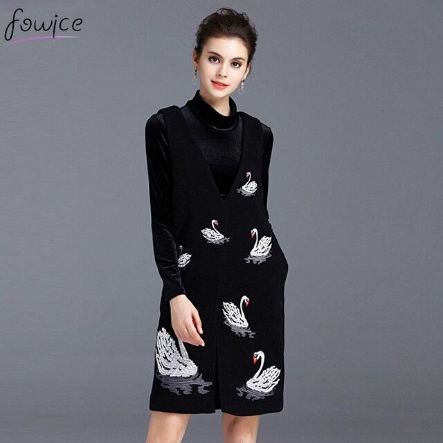 Elegant 2017 Spring 2 Pieces Velvet Women Dress Set Black Turtleneck Top + Embroidery Swan Sleeveless Mini Dress Female Sets