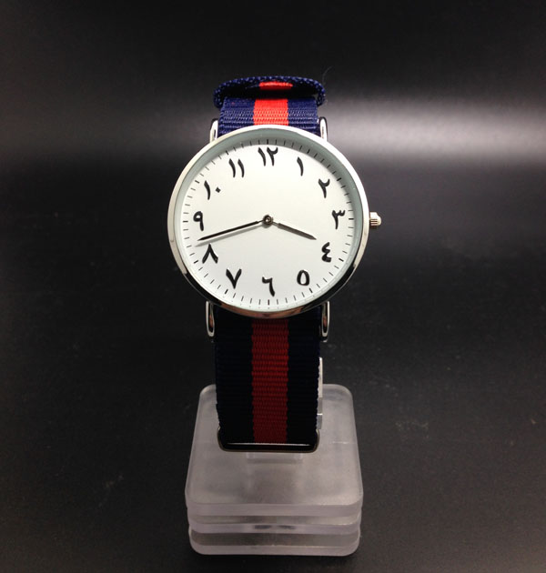 Tbrowntable style watches no logo name. mujeres reloj de pulsera Mid East Hot selling no name bri 1