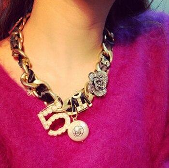 48a186b76553 De moda gargantilla collar de declaración para mujeres CNANIYA joyería de  marca Rosa 5 resina perla grueso grande collares