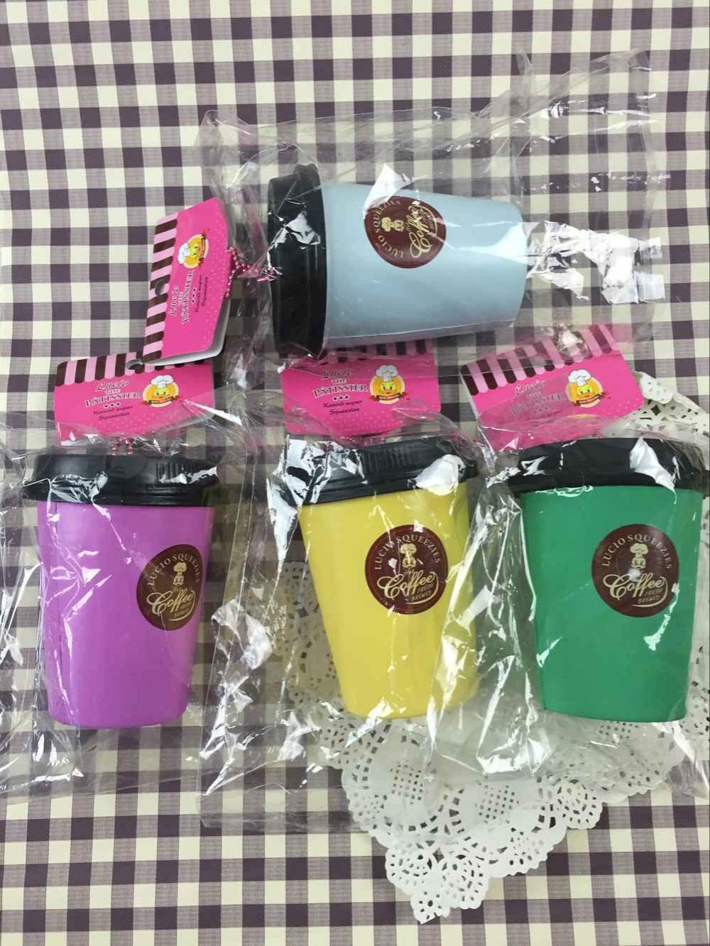 Lucio kavna skodelica Squishy igrače 1pcs / lot originalni paket redkih veleprodaja srčkan Jumbo Squishy mobitel pašček Charm Kawaii Toy 310