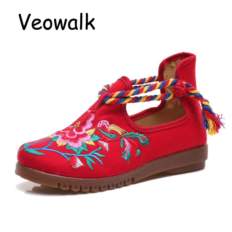 Veowalk Mid Top Women Casual Canvas Flats Floral Embroidery Ladies Comfortable Cotton Platforms Shoes Zapato Mujer Unique Strap vintage flats shoes women casual cotton peacock embroidered cloth flat ankle buckles ladies canvas platforms zapatos mujer