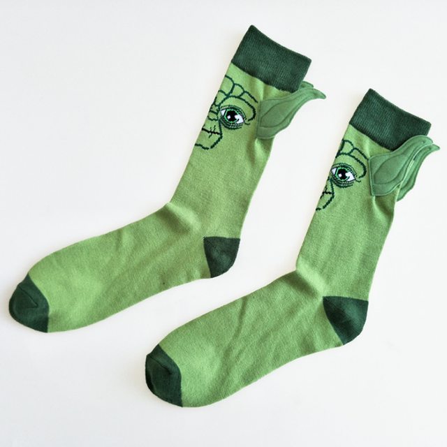 1 pair cute Star Wars Respected Jedi Master Yoda Socks Street Cosplay Cotton The Force Awakens Sock Novelty figure gift