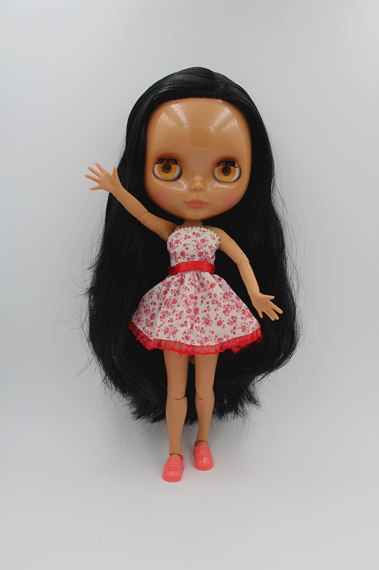 Blygirl Blyth doll Black straight hair doll body has 19 joints black skin BL3725 nude doll The hand can be rotated blygirl blyth doll golden wave curls doll no 31bl74 joints body 19 joints normal skin the hand can be rotated