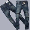 HOT SALE da moda modelos Finos de algodão em linha reta Slim fit dos homens soltos calças de brim clássicas novas calças de brim dos homens calças jeans calças de brim dos homens longo macho