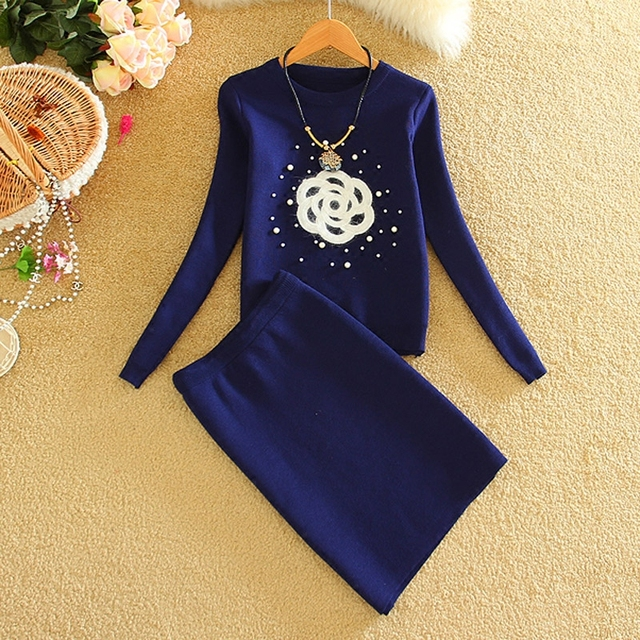 New Arrival Women Beading Flowers Clothing Sets Winter Elegant Knitting Sweaters and Wrap Hip Skirt Suits Set Navy Blue