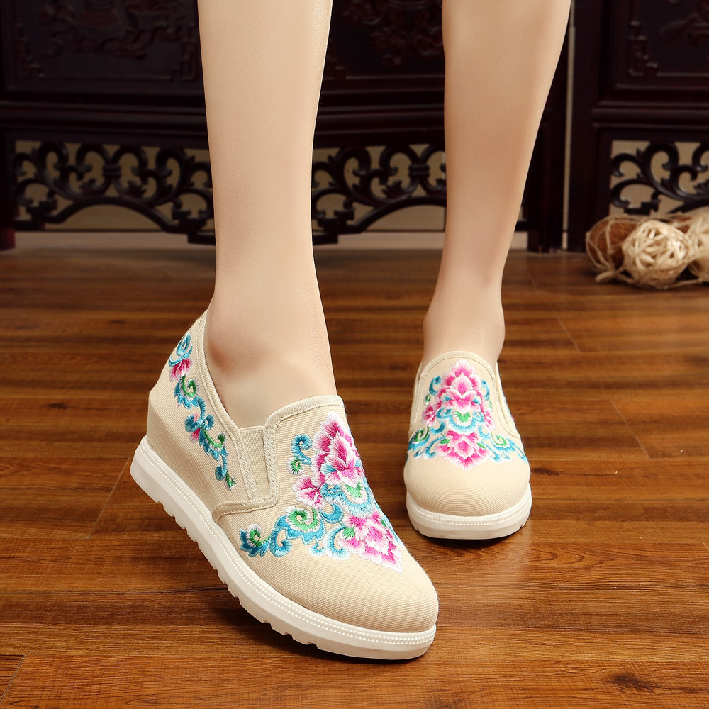 2017 New Women Flower Flats Slip On Cotton Fabric Casual Shoes Comfortable Round Toe Student Flat Shoes Woman Plus Size 34-41 women casual slip on flats fashion ladies casual flat shoes new women s round toe shallow mouth flats big size 34 47 ballerinas