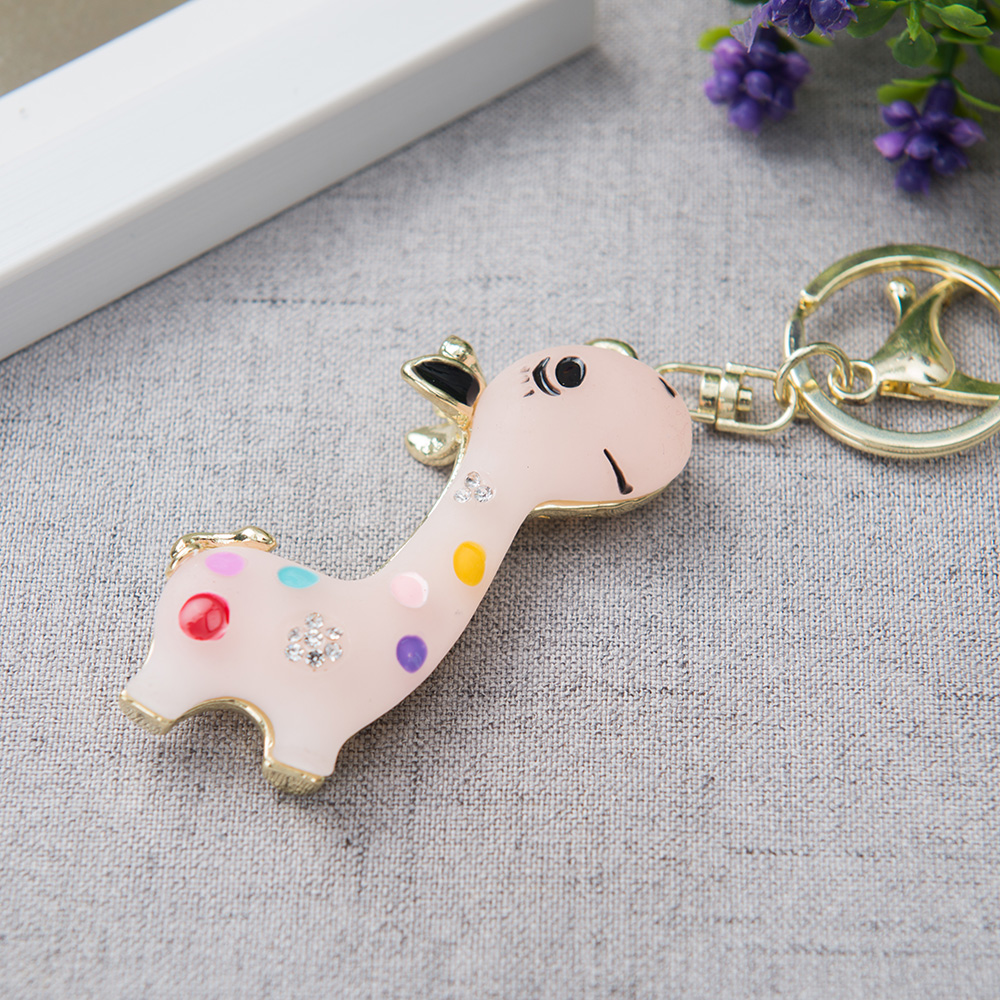 Car Keychains Resin Cute Giraffe Home Keyrings Decoration Ornaments Auto Styling Holiday Girl Boy Friend Gifts Car Accessories