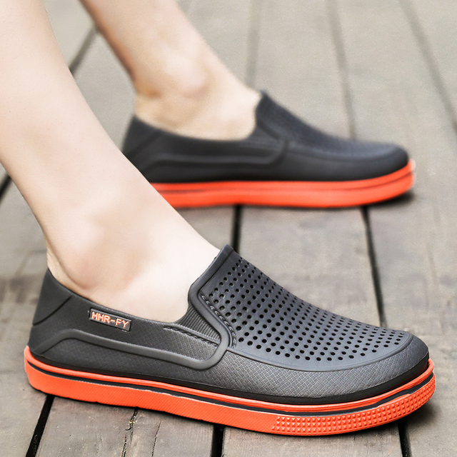 71fd81e305f4 Summer Croc Clogs Slip On Garden Offroad Sport Beach Sandals Flip Flop Men  Casual Water Aqua Slipper Swimming 2018 Classic Shoes