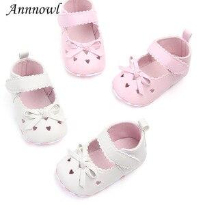 Zapatos de marca de moda para niña, suela blanda, zapatos de princesa para niñas pequeñas con flores, zapatos para niños de 1 año de edad, calzado para recién nacidos, regalos de cumpleaños