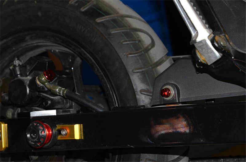 30 قطعة غطاء لمسمار صامولة الدراجة النارية تزيين محرك الدراجة سنترو قولبة الزينة لياماها كاوازاكي هوندا بينيلي BMW Suzuki